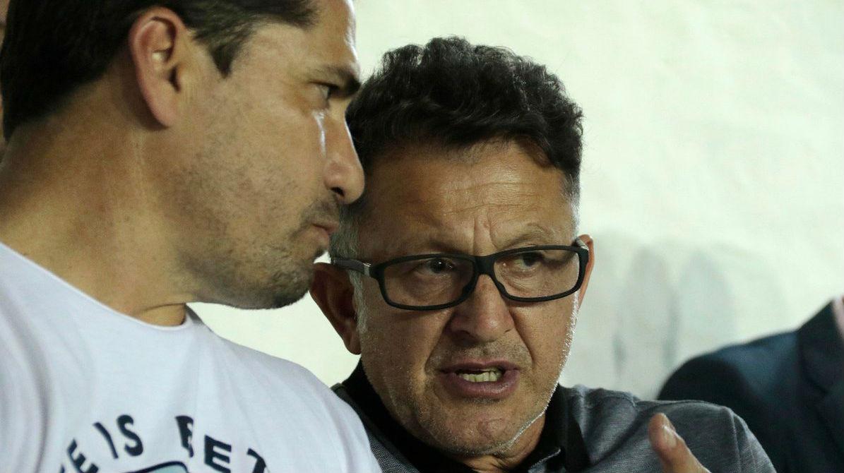 Llaman 'zoquete' a Juan Carlos Osorio en Paraguay