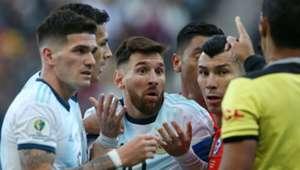 060719 Lionel Messi Gary Medel Argentina Chile