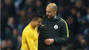 Josep Guardiola y Alexis Sánchez archivo Arsenal City