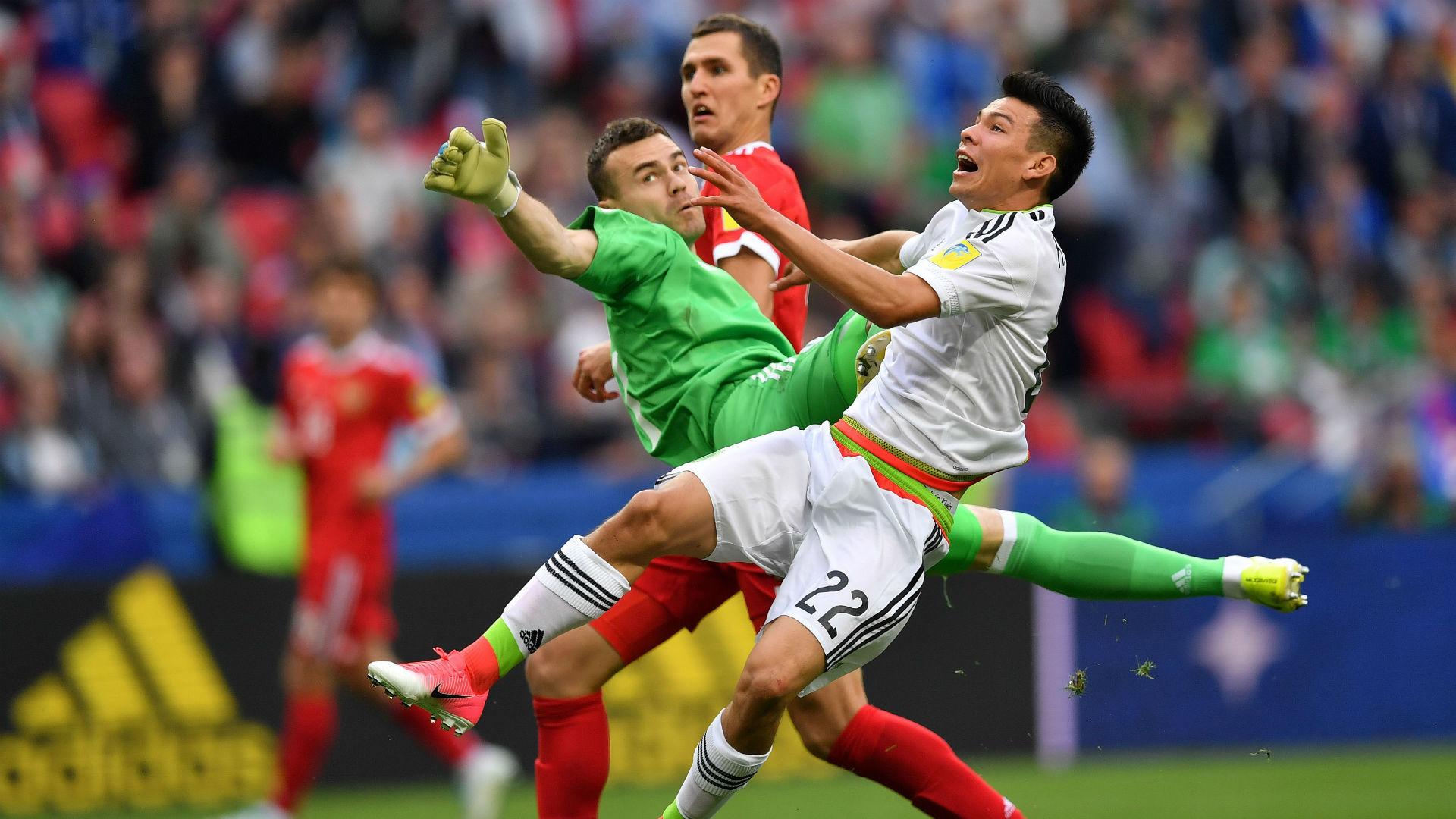 Hirving Lozano Igor Akinfeev Mexico Russia Confederations Cup