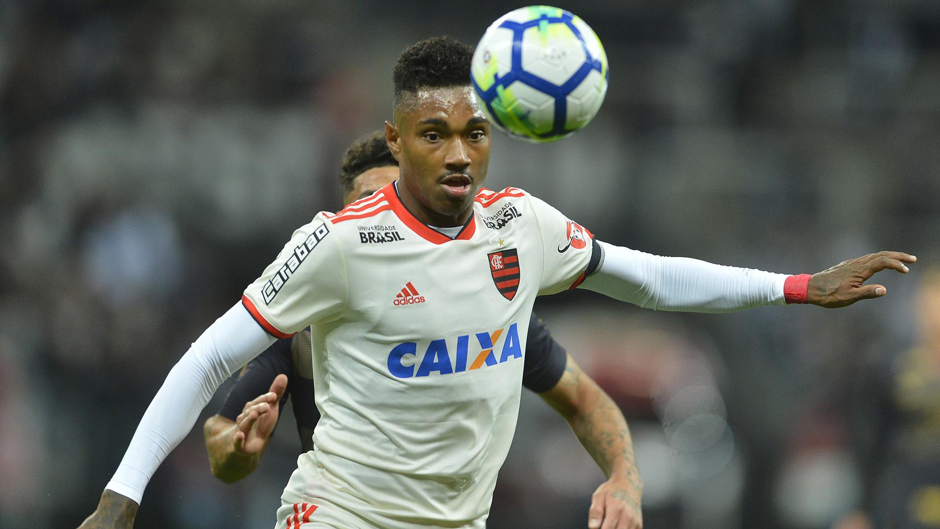 Maior contratação da história do Fla, Vitinho pode se espelhar em Everton Ribeiro em 2019