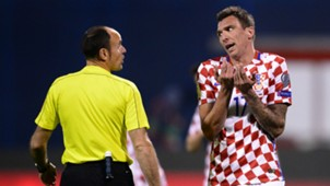 croatia ukraine - mario mandzukic referee lahoz - 24032017