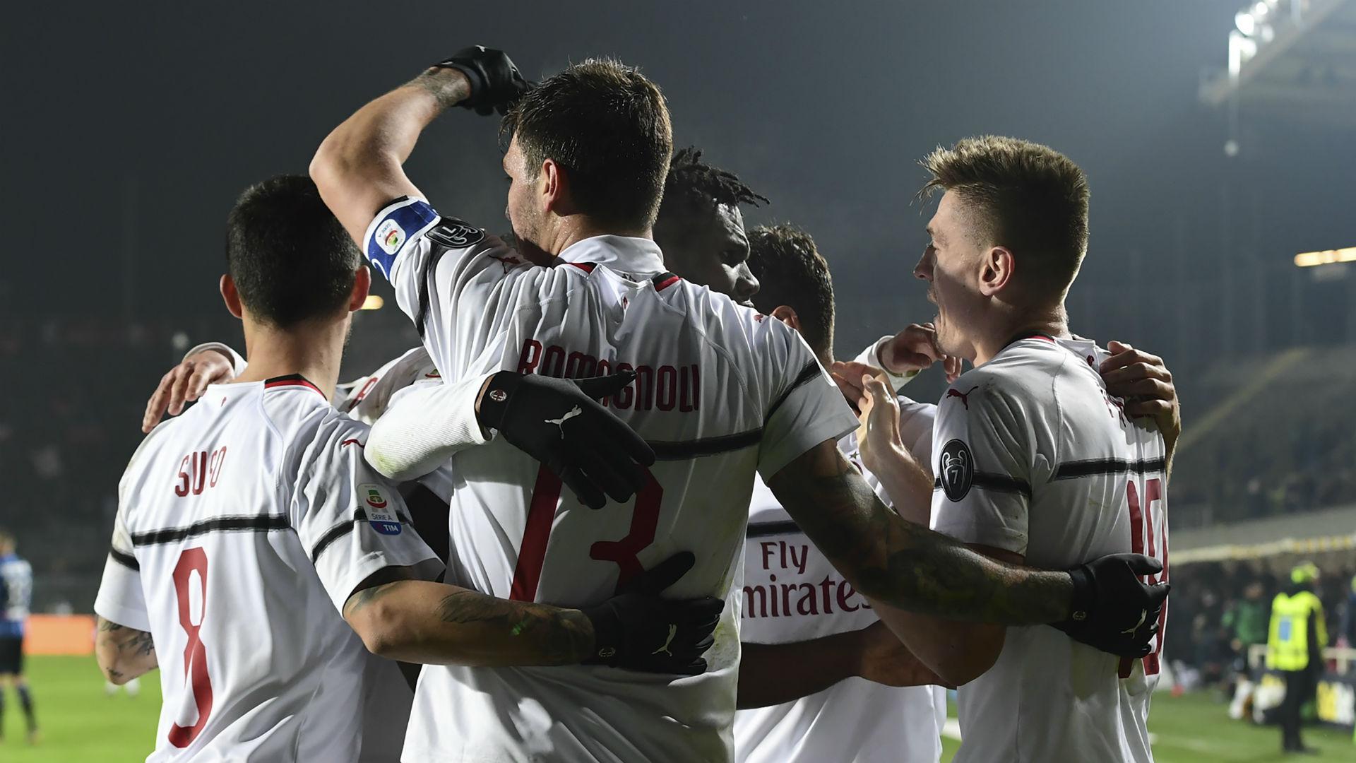 Milan celebrates Piatek vs. Atalanta