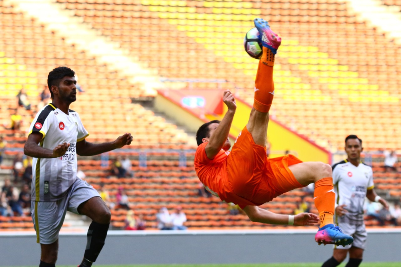 Matias Hadwa, Kenny Pallraj, PKNS, Perak, Super League, 11/02/17