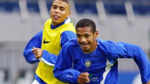 Vampeta Ronaldo Nazario Brazil 2002