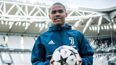 Douglas Costa Juventus unveiling 17072017