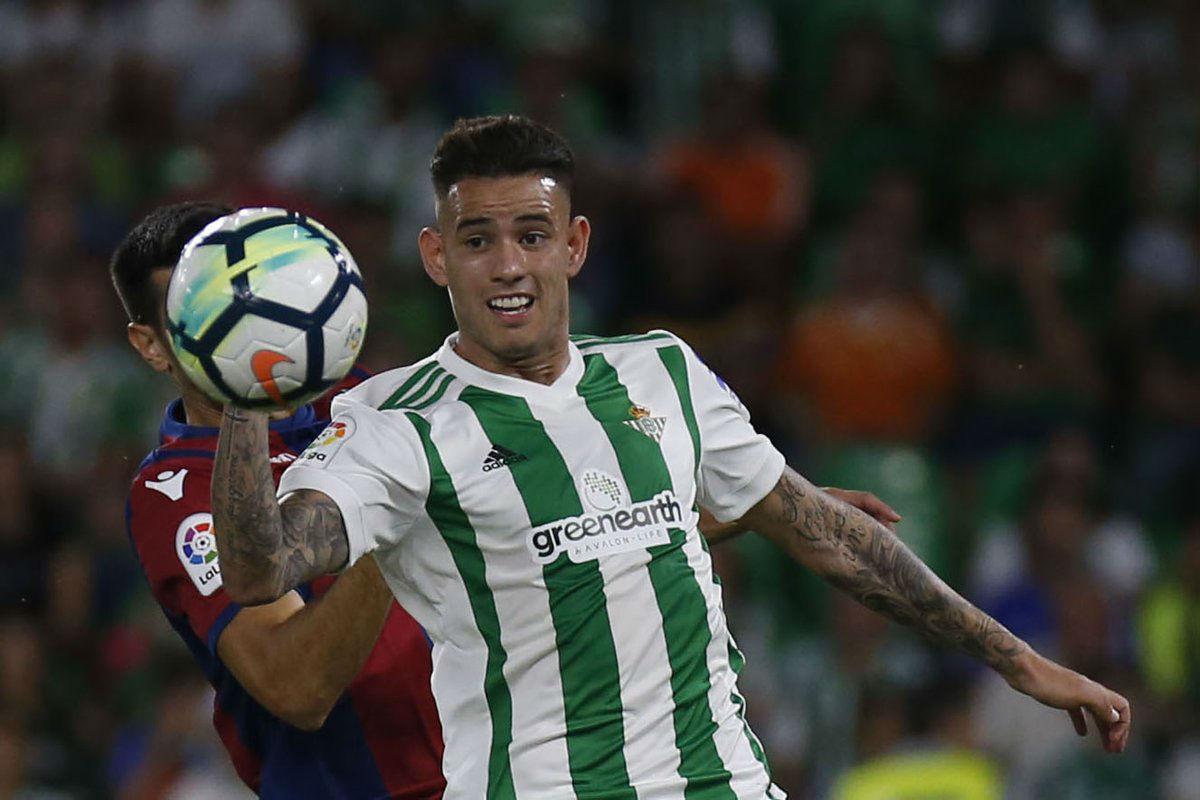 Sanabria marca dos goles para el Betis y sigue haciendo historia