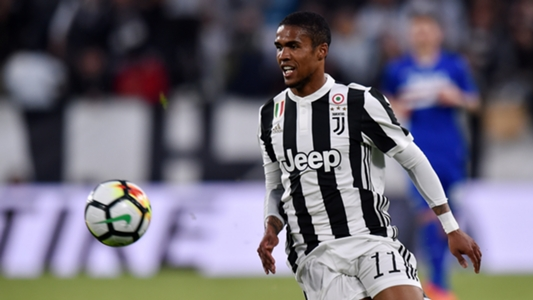 Juventus seal €40m deal for Douglas Costa