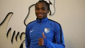 Agent: Former Kaizer Chiefs midfielder Siphiwe Tshabalala set to remain in Europe
