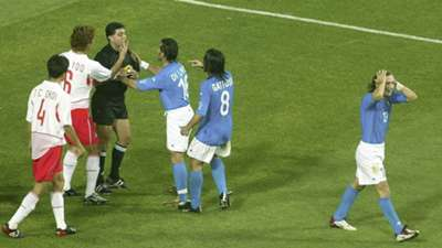 Francesco Totti red card Italy South Korea 2002 World Cup