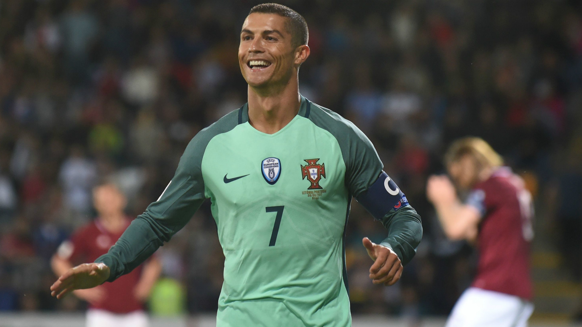 https://images.performgroup.com/di/library/GOAL/33/56/cristiano-ronaldo-portugal_zb4lb924rk0w10nq85g91zz44.jpg
