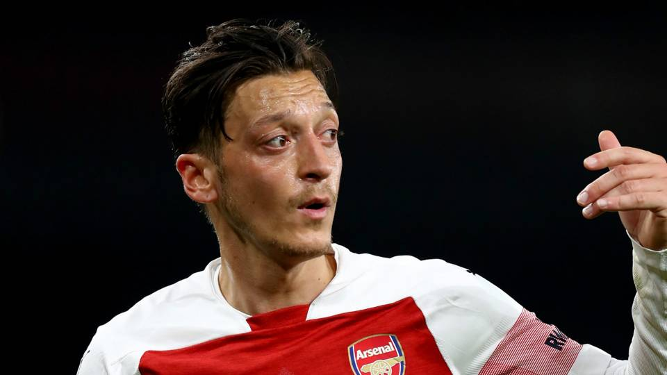 'Lucky' Arsenal need more from Ozil and creativity department – Wright