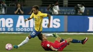 101017 Chile Brazil Alexis Sánchez Neymar