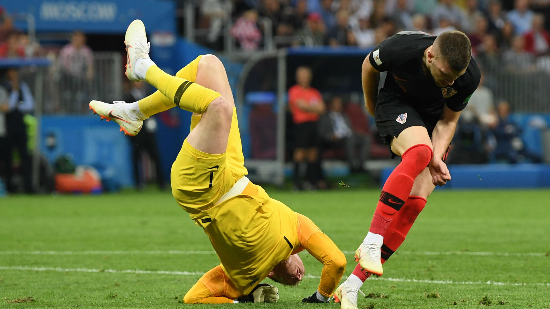 croatia england - jordan pickford ante rebic - world cup - 11072018