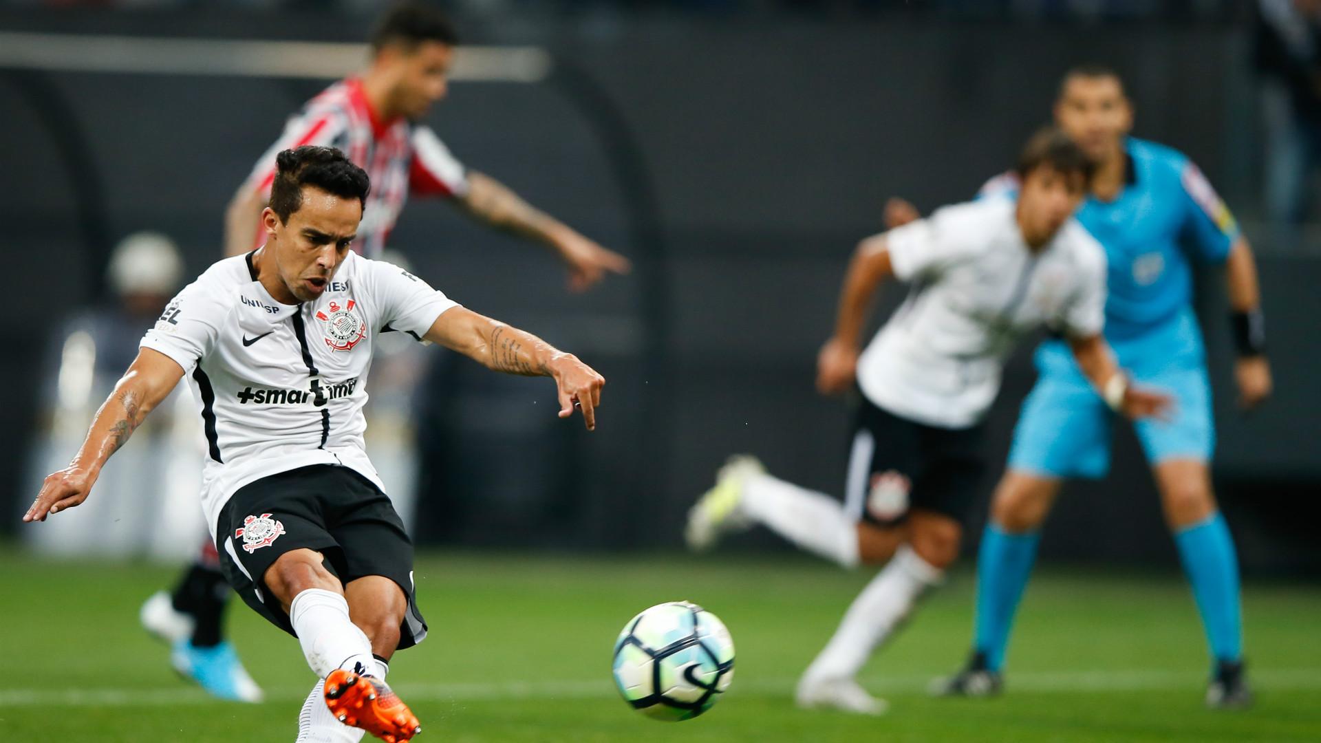 Corinthians vence o São Paulo no primeiro clássico do Paulistão
