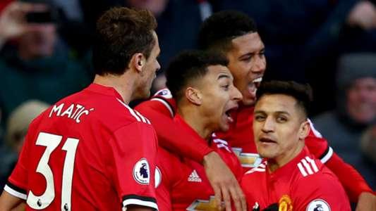 Manchester United celebrate Jesse Lingard