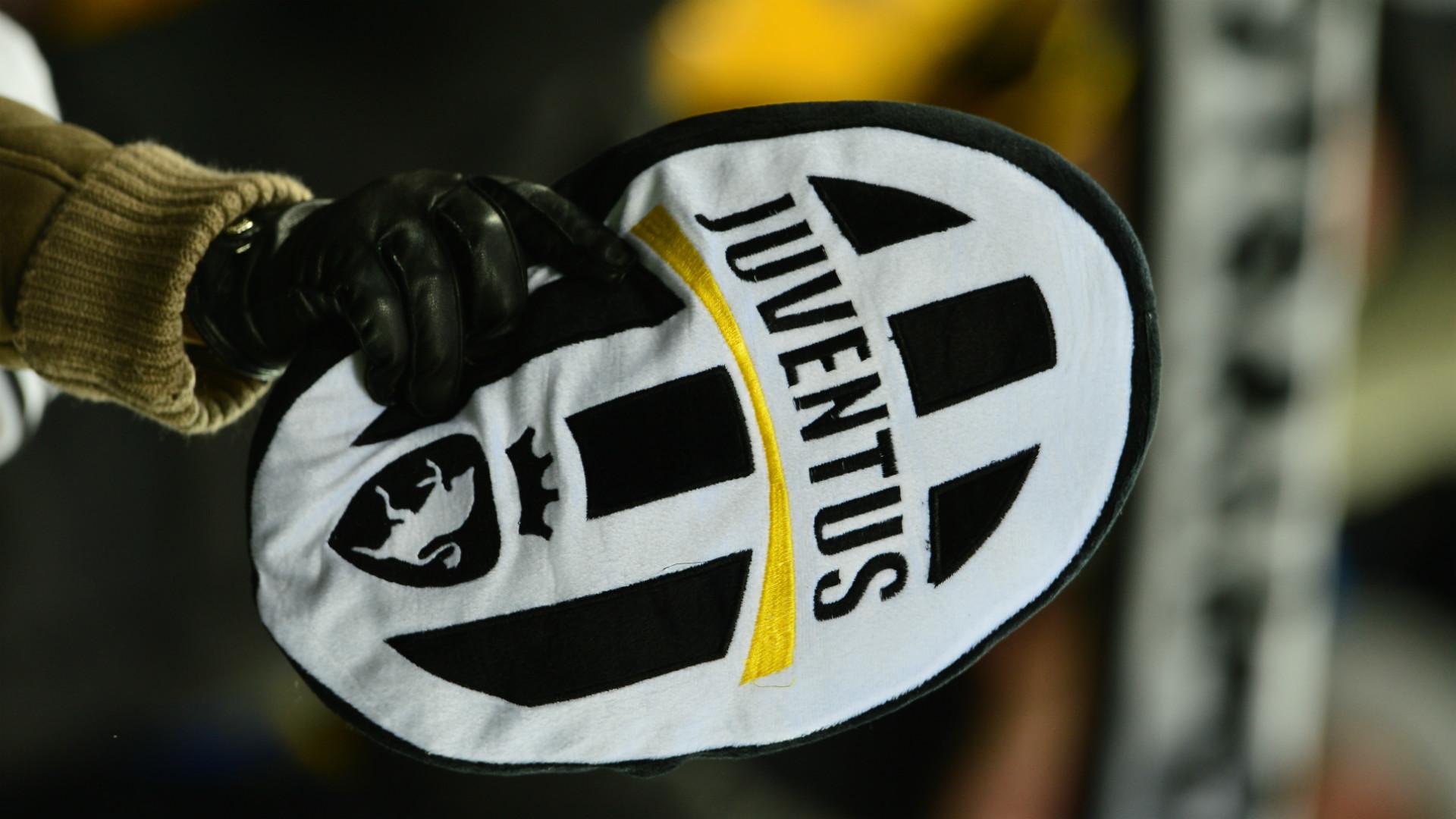 JUVENTUS gây tranh cãi khi công bố chính thức logo mới