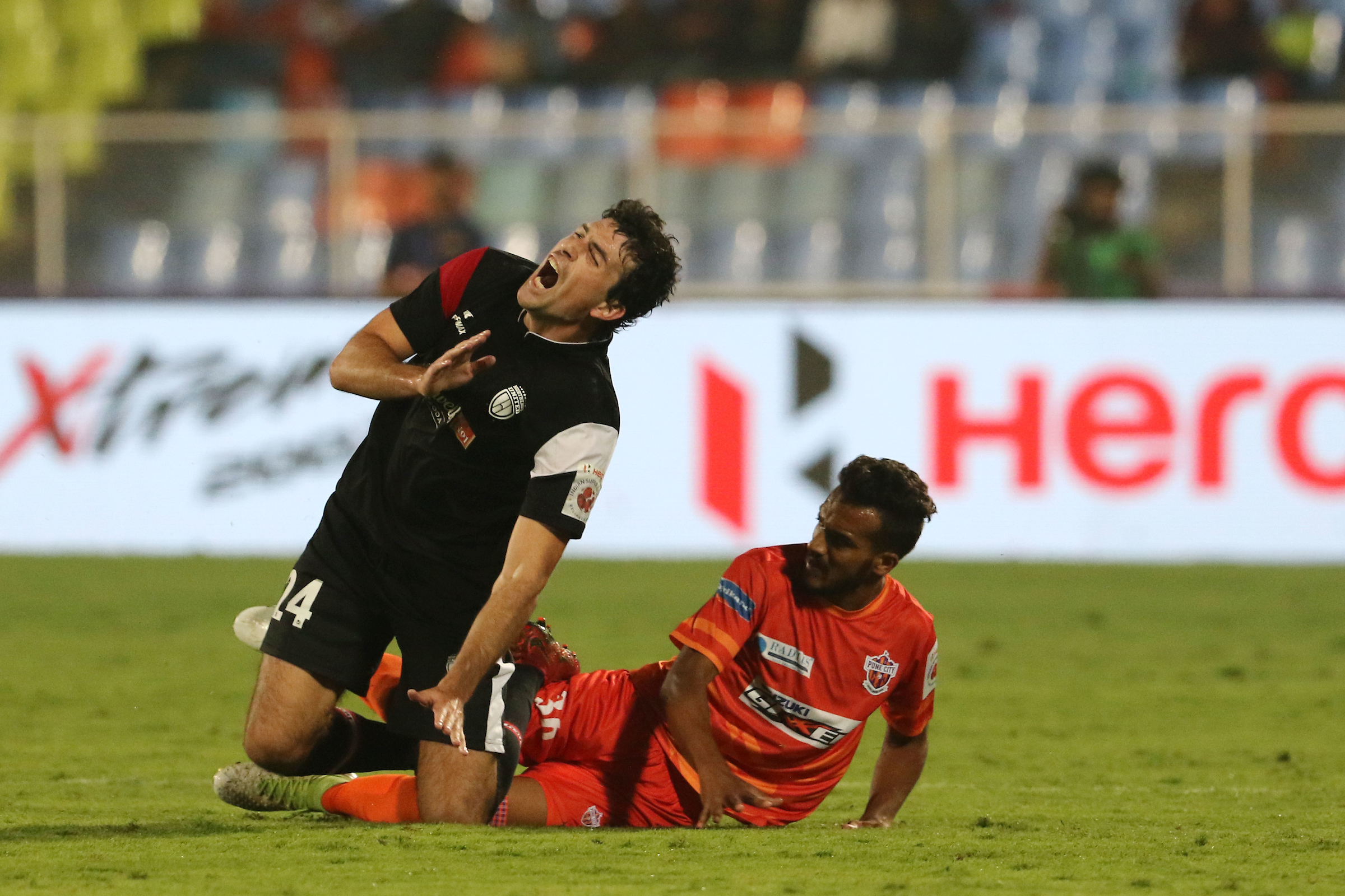 Juan Mascia Sahil Panwar FC Pune City NorthEast United ISL 2018-19
