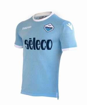 La nuova maglia della Lazio