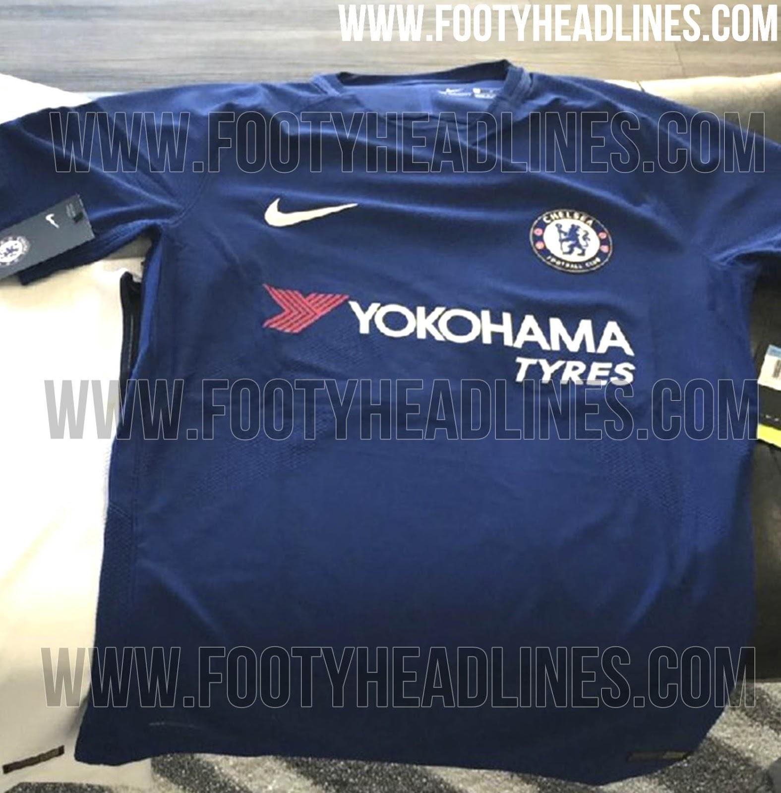 Nike Chelsea 17-18 Kit (3).jpg
