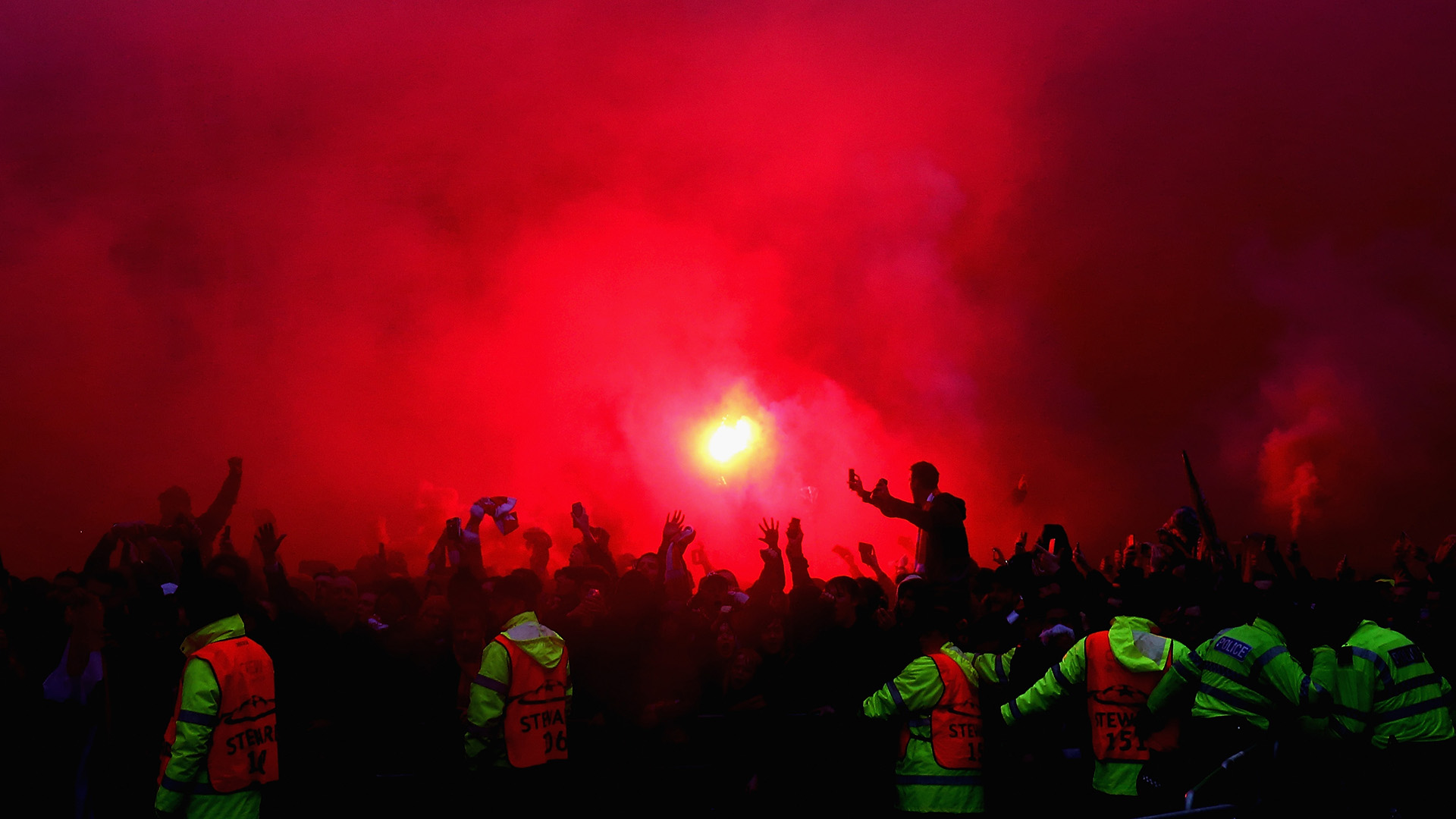 Liverpool Roma fans