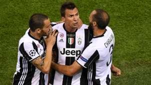 Mario Mandzukic Leonardo Bonucci Juventus 2017