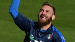 Daniele De Rossi, Gianluigi Buffon & Pemegang Caps Terbanyak Azzurri