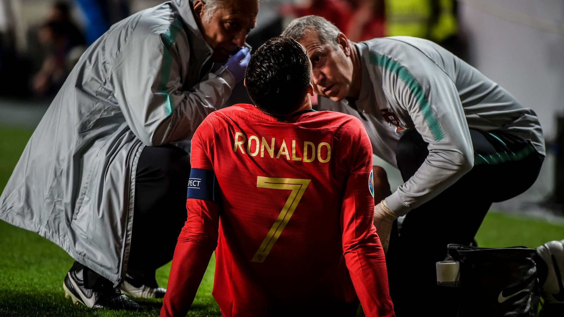 Ronaldo leaves Euro qualifier with apparent injury