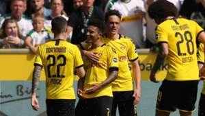 Dortmund celebrate vs Gladbach 2019