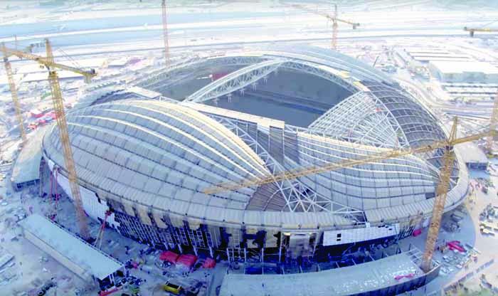 أحد ملاعب مونديال قطر 2022: تركيب أرضية ملعب الوكرة في 9 ساعات فقط