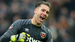 Liverpool close in on ex-West Ham goalkeeper Adrian