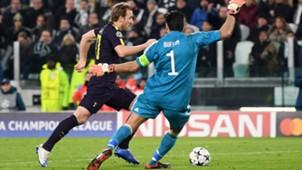 Buffon Kane Juventus Tottenham Champions League