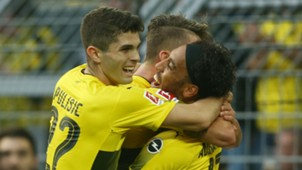 Christian Pulisic Pierre Emerick Aubameyang celebration