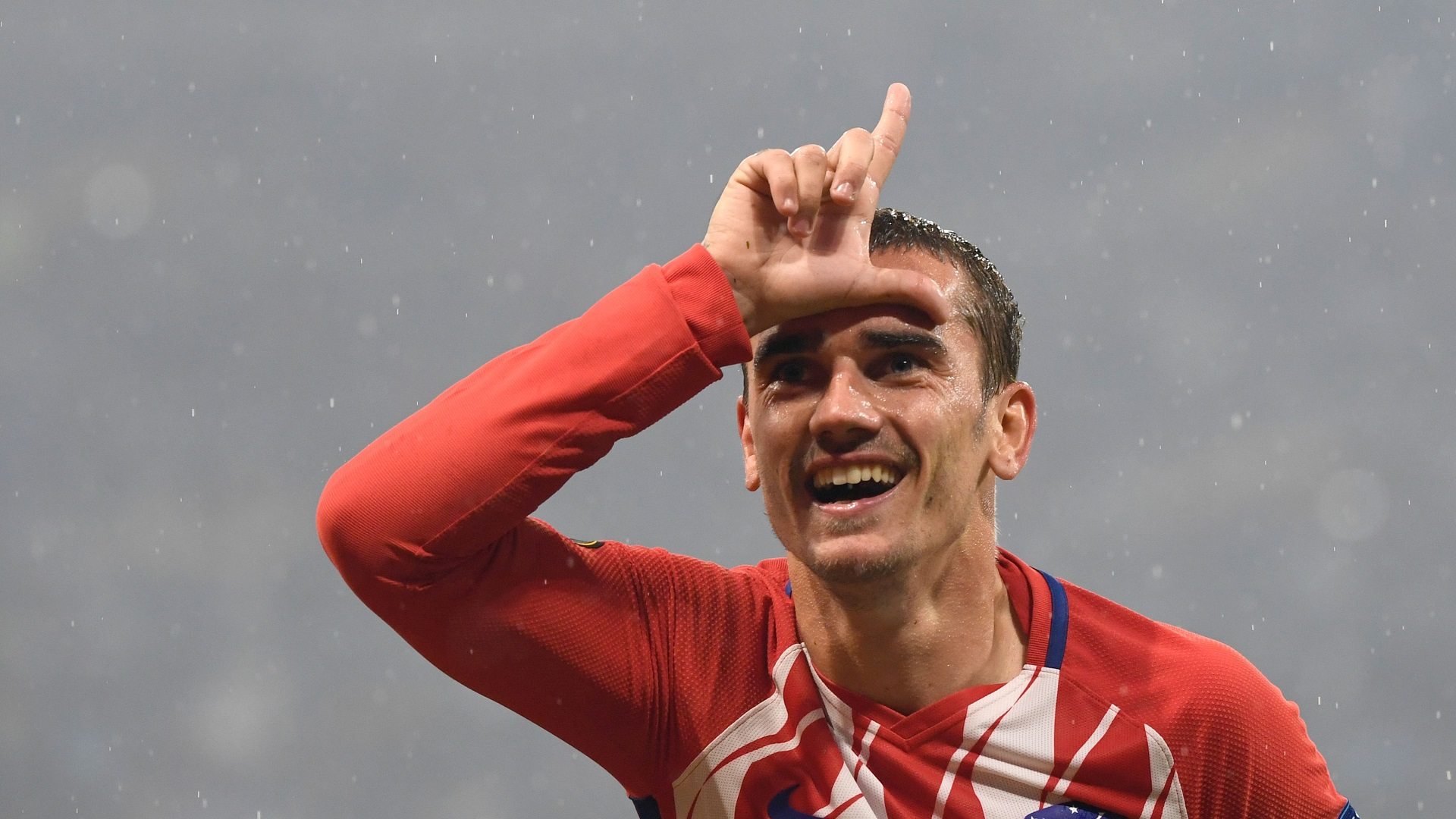 Antoine Griezmann to Barcelona: Atletico Madrid star coy on transfer speculation