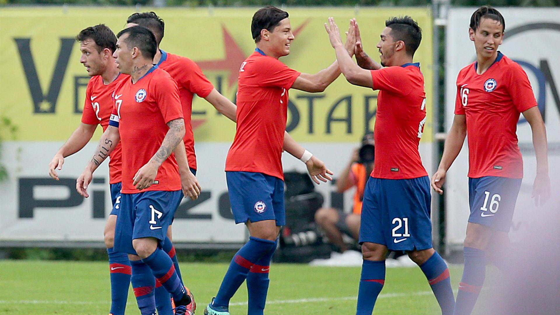 310518 Chile Rumania Lorenzo Reyes - Igor Lichnovsky - Gary Medel - Miiko Albornoz - Ángelo Henríquez