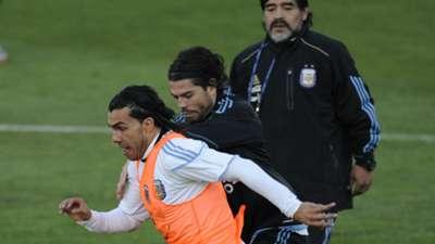 Ariel Garce Carlos Tevez Diego Maradona Argentina