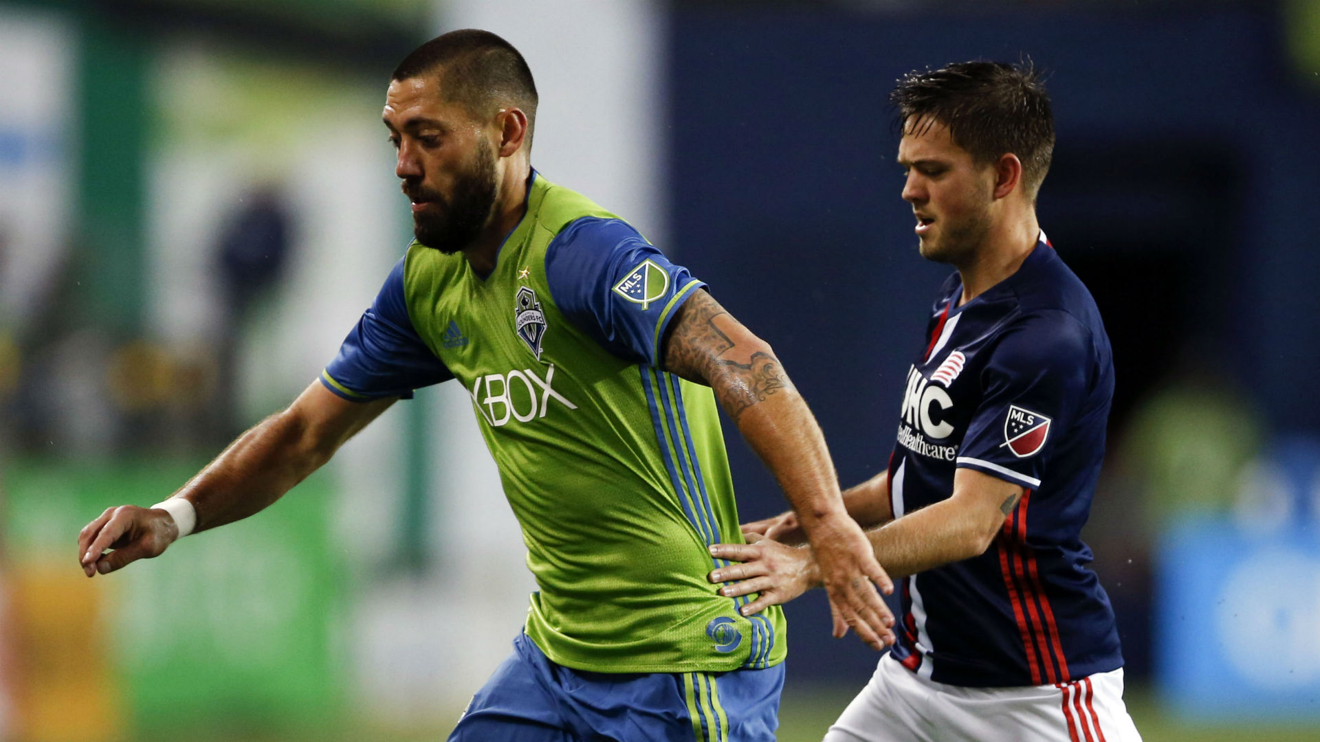 Clint Dempsey Kelyn Rowe Sounders Revolution MLS 042917