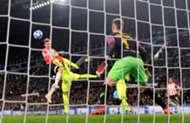 Luuk de Jong PSV Barcelona