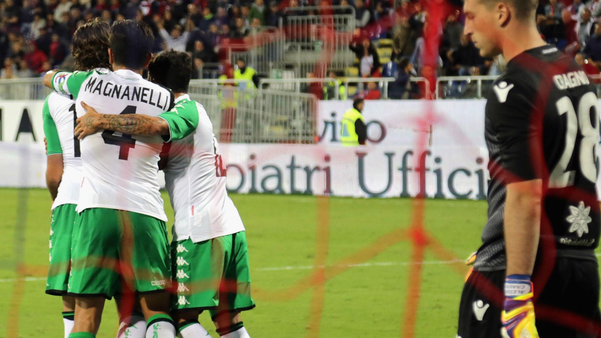 Tegola per il Napoli: Mertens esce infortunato
