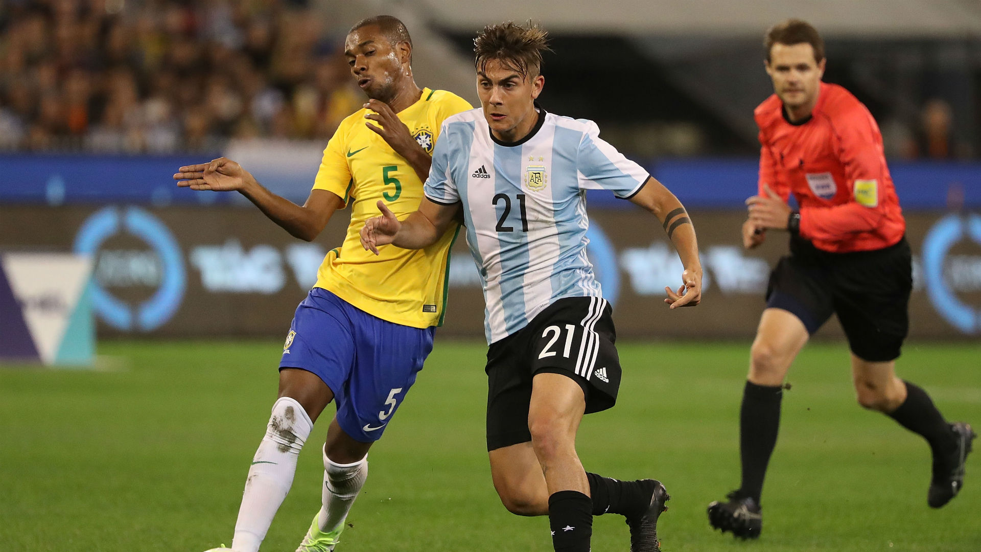 Fernandinho Paulo Dybala Brasil Argentina Friendlies 09062017