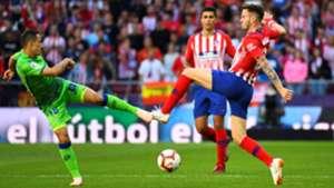 Andres Guardado Saul Niguez Atletico de Madrid Betis LaLiga 07102018