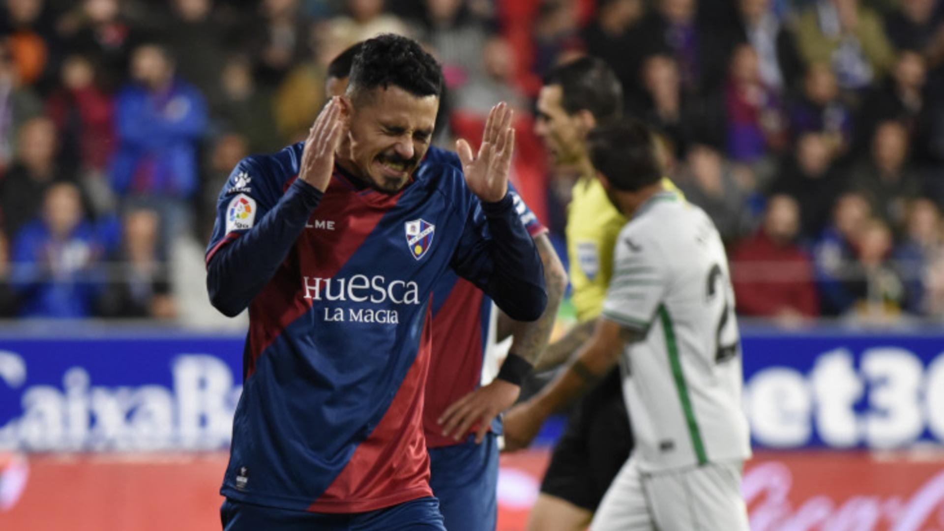 Betis golea 4-0 al Racing y está en octavos de Copa