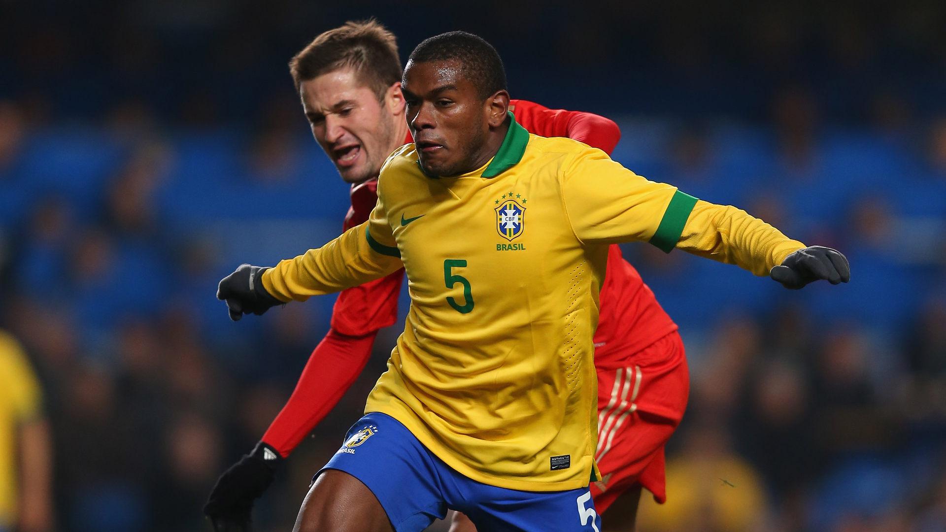 Brasil desencanta no segundo tempo e vence a Rússia em Moscou