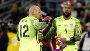 Brad Guzan Tim Howard USA Mexico