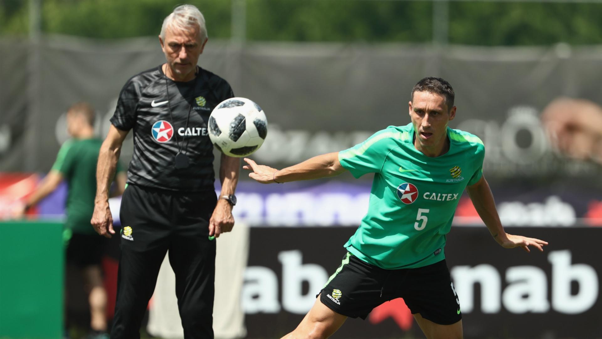 Bert van Marwijk Mark Milligan Socceroos