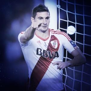 50 Lucas Alario
