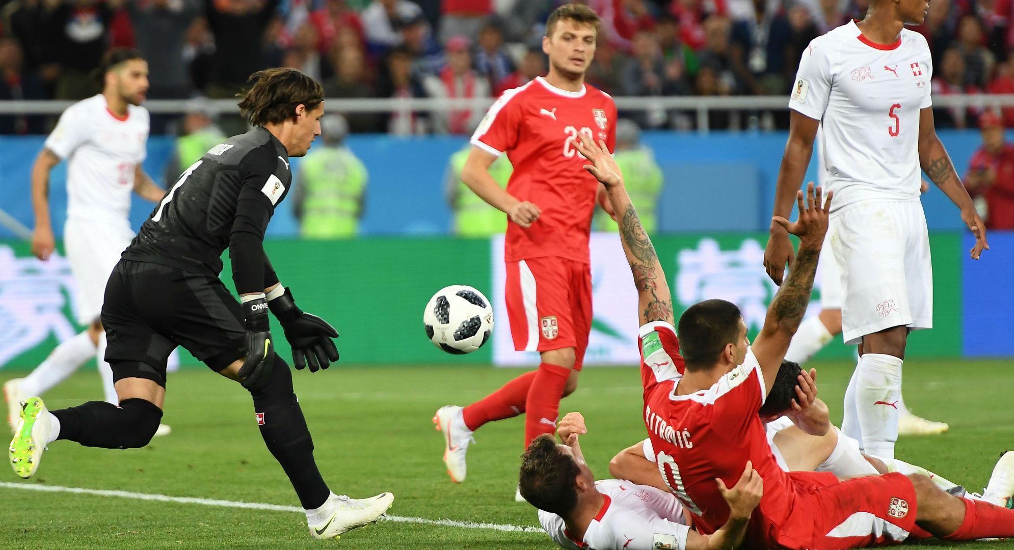 Mitrovic Serbia Suiza Copa del Mundo 2018
