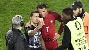 Ronaldo and his fan 06182016