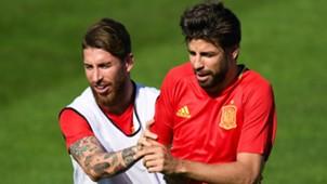 Gerardi Piquè Sergio Ramos Spain