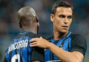Per questo motivo, nel gennaio 2017, il difensore australiano si trasferisce in prestito all'Inter come tappabuchi. In quattro mesi in nerazzurro giocherà soltanto una partita, 19 minuti per l'esattezza, nell'ultima giornata di campionato contro l'Udin...